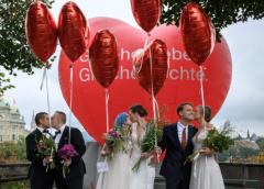 瑞士公投通過同性婚姻合法化 近6成半人支持